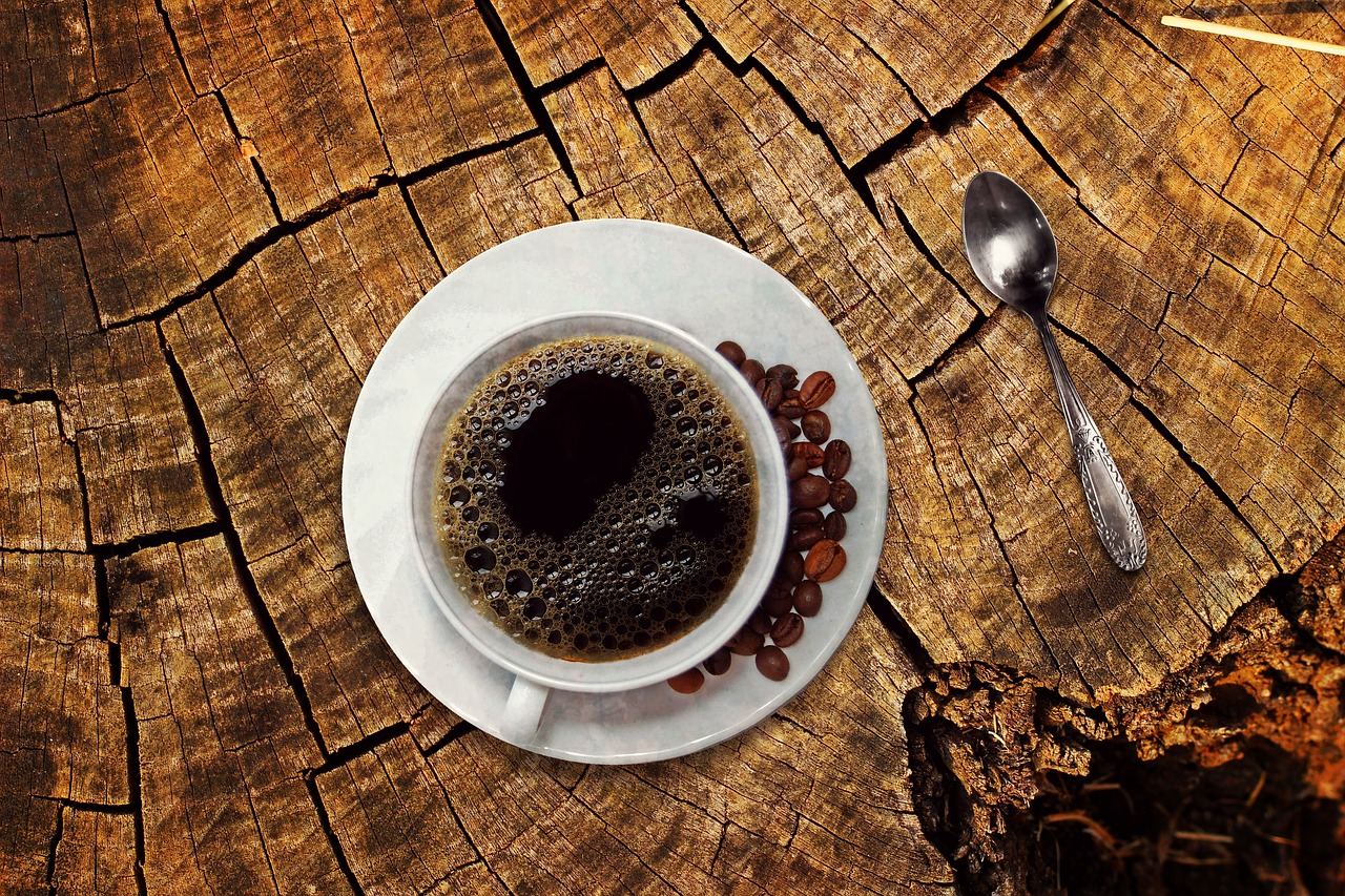 How to use old coffee grounds in the garden? - Brambles